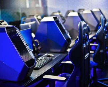 电子竞技解说与主播/电子游戏策划与设计